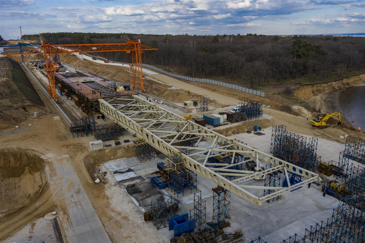 Обход Тольятти с мостовым переходом через Волгу готов на 25%